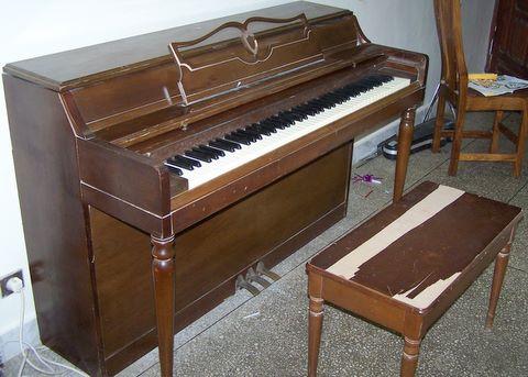 piano-2.JPG