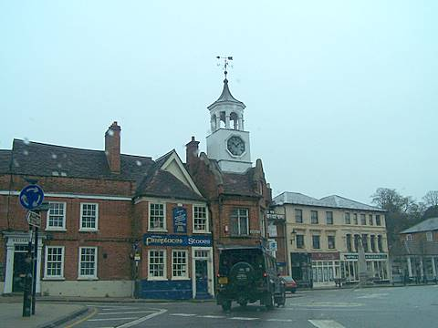 ampthill-town-centre.jpg